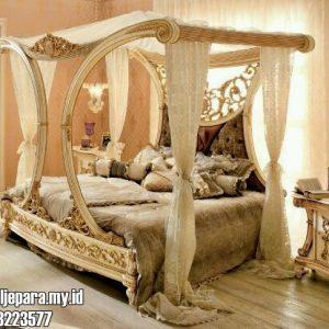 Tempat Tidur Pengantin Berkelambu