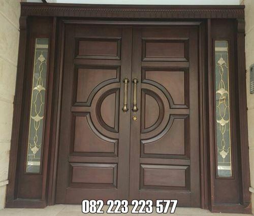 Pintu Rumah Terbaru Modern Model Samping Jendela Gendong