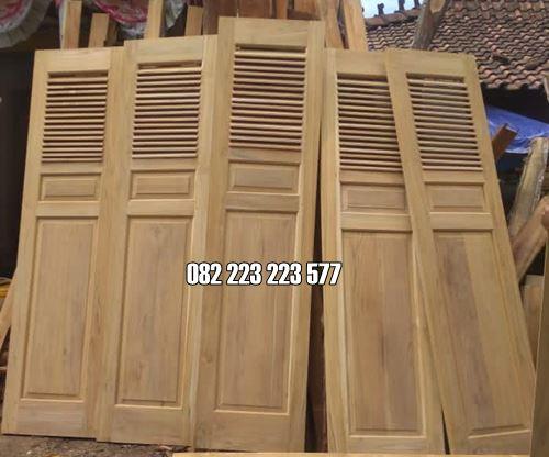 Pintu Garasi Rumah Model Geser Kayu Jati