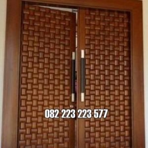 Pintu Rumah Unik Motif Ukiran Ketupat Terbaru
